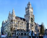 Neus Rathaus (Germany) by kenpunk79