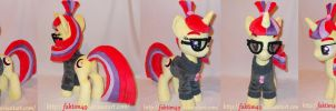 Moondancer with removable clothes ! by faktim49
