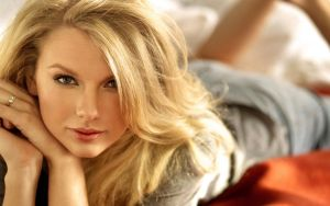 taylor swift by floppe