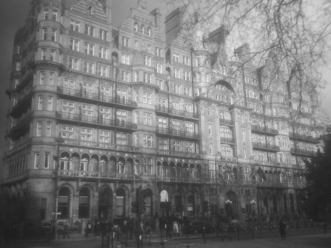 London Streets by whitetigers06