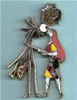 Jack and Sally - Mistletoe pin by hollyberryx