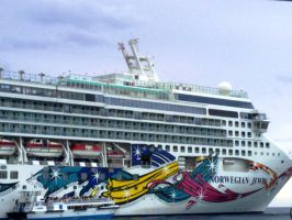 The Norwegian Jewel by starsoftrinity