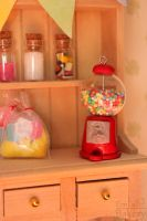 Miniature gumball machine by EmisBakery