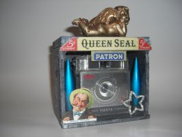 Queen Seal by Synctopia