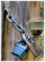 Locks and Chain HDR by shawn529