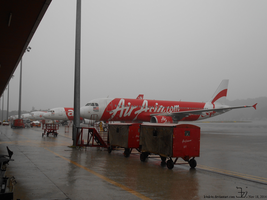 Planes under the rain _ Airbus A320 lineup by K4nK4n