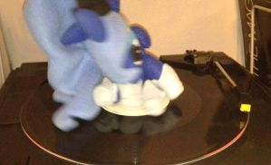LunarRecordSpin by IFlySNA94