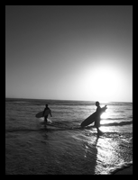 b and w surfers by itztheagnes