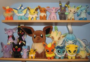Eeveelution Plush Collection by MizukiiMoon