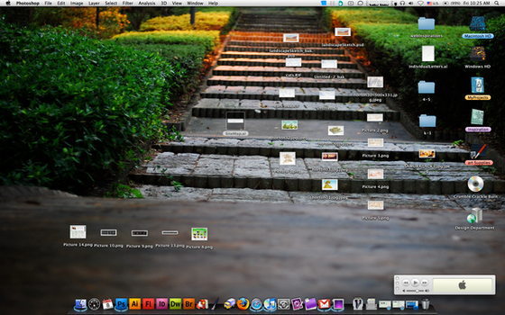 My Current Desktop...Messy by Nixul