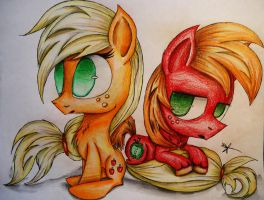 Chibi Apples by Cre8iveWing