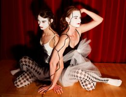 Circus Twins by Les-Diables