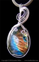Contrasts Labradorite Pendant by Nambroth