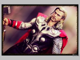 Hot Toys - Thor by viennidemizerable