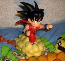 Dragonball Son-Goku Piggybank with Jindujun by kratosisy