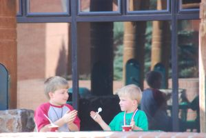 Kids and icecream by edyo
