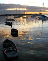 Botes al atardecer by lil0