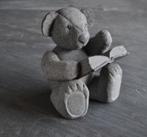 Stone teddy bear by jiyuseki