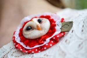 Barn owl brooch with playing card by SulizStudio