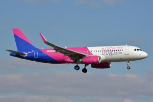 HA-LYT - Airbus A320-232(WL) - Wizzair by mysterious-one