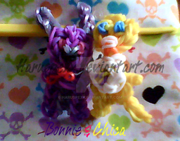 Bonnie and Chica Rainbow Loom Charms by Haruspexx