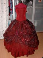 Sarah Ballgown - better pic by CheshireCat1