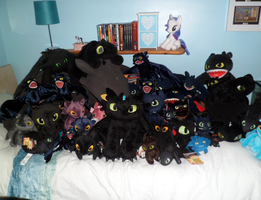 Toothless Hoard by Cheri-Bomb