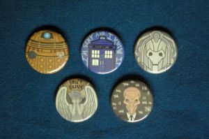Doctor Who Buttons by pookat