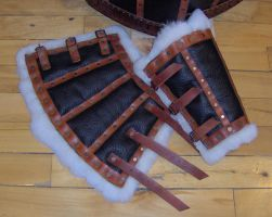 Leather armor - bracers by Laerad