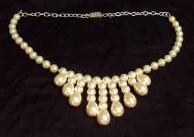 Pearl Drops Necklace by ACrowsCollection