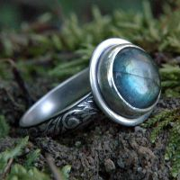 Labradorite Ring by metalsmitten