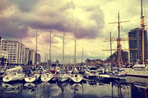 Ostend Port by ralucsernatoni