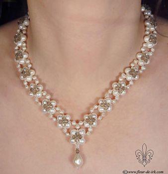 Pearl-n-crystal in gray N928 by Fleur-de-Irk