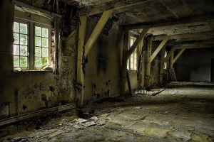 urbex decay by ashleygino