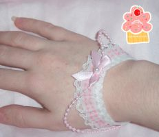 pinkxwhite wristcuffs worn by neko-crafts