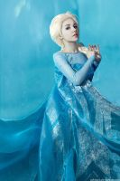 Queen Elsa by KikoLondon