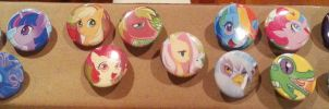 Bronycon buttons by skimlines