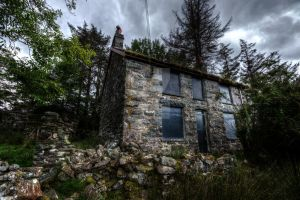 This Old House by Crona-Urbex-Kishin