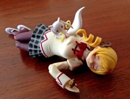 Tomoe Mami unconscious 2 (figma photo) by cuttlesquid
