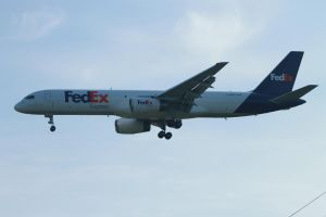 FedEx 757-200F named Rachel on short finals by tdogg115