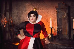 Queen of Hearts - Alice in Wonderland by Matsu-Sotome