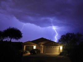 Lightning over Home 3972 by mammothhunter