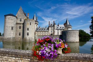 Sully-sur- Loire by DeviantTeddine