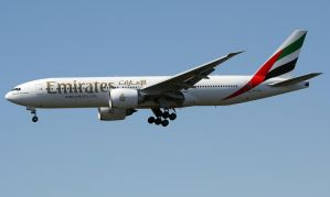 Boeing 777 Emirates Landing by shelbs2