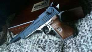 Leon's Desert Eagle 3 by RedDevil00