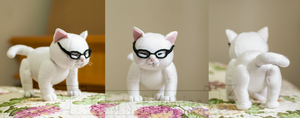 Cat with glasses by likanetinha