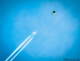 Skydiver by NikooliX