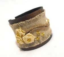 Leather bracelet with linen and ribbon flowers. by julishland