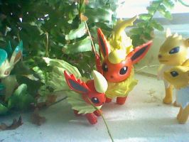 Flareon and Jolteon family by victoriavaporeon