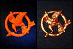 Mockingjay- Katniss's pin- The Hunger Games WIP by Ladybug-17